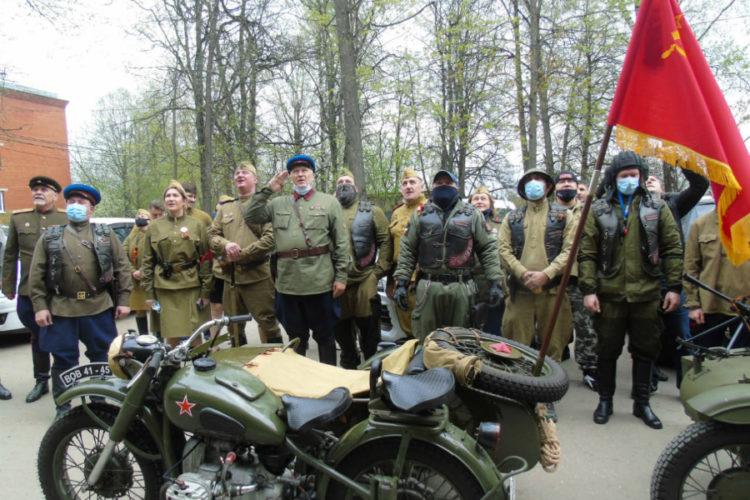 Парад пришёл к ветеранам