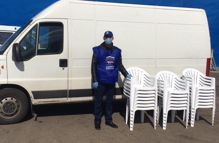 Добровольцы закупили стулья для сотрудников госпиталя в Кубинке