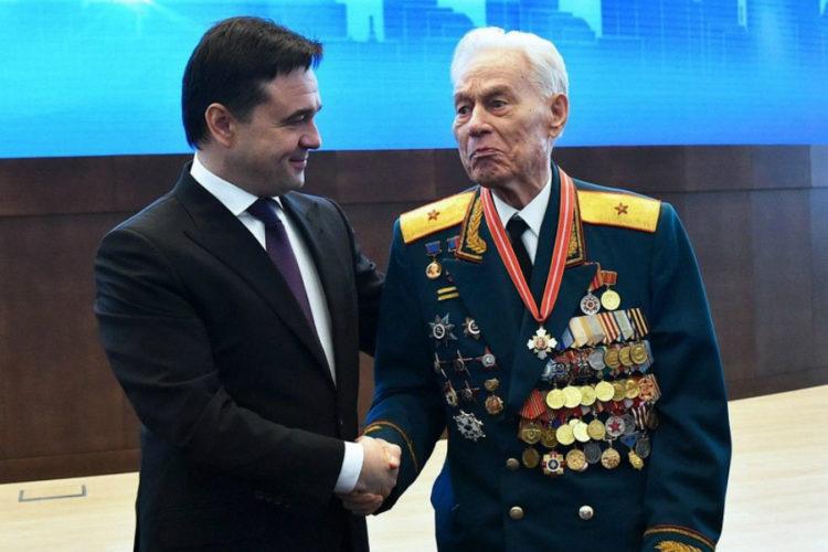 Своё 96-летие отметил ветеран Великой Отечественной войны Виктор Михайлов
