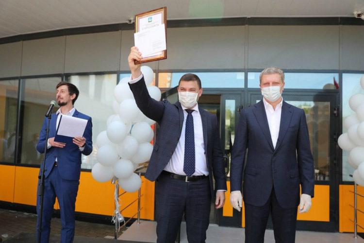 Медики принимают поздравления