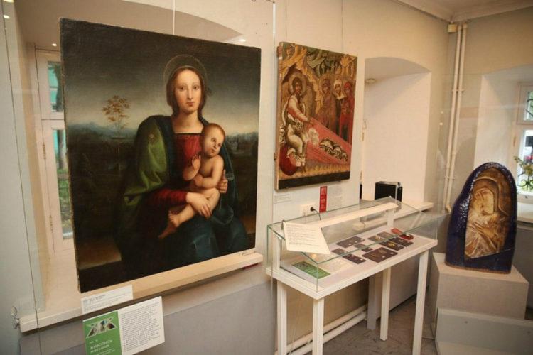 «Музейный алфавит от «А» до «Я»: в Звенигородском музее открылась новая выставка
