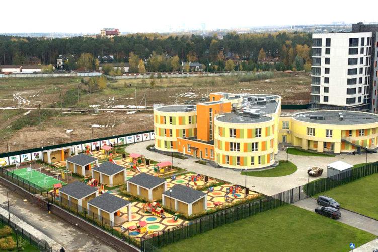 Строительство школ и проблемы с парковками волнуют жителей