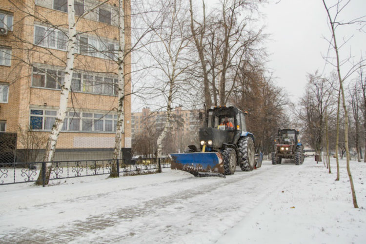 Более 350 единиц техники выйдет на уборку дорог зимой